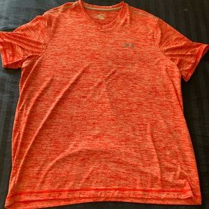 Mens XL Under Armour dryfit short sleeve shirt